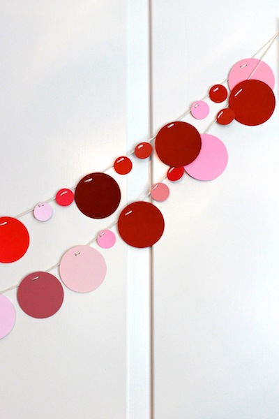 paint sample garland (via thechicsite)