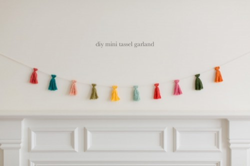 mini tassel garland (via kaleyann)