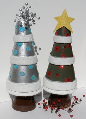 DIY Tabletop Christmas Trees From Terra-Cotta Pots