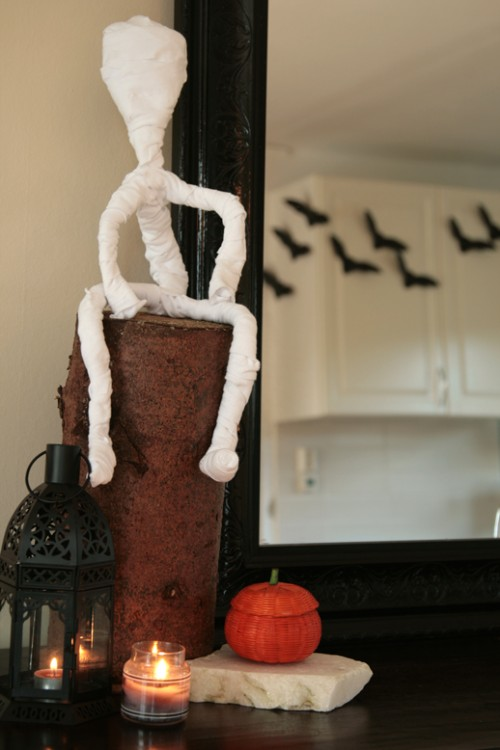 Diy Tabletop Mummies For Halloween Decorating