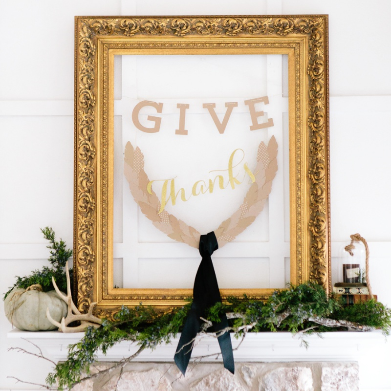 DIY Thanksgiving Frame Of Paper And Cardboard