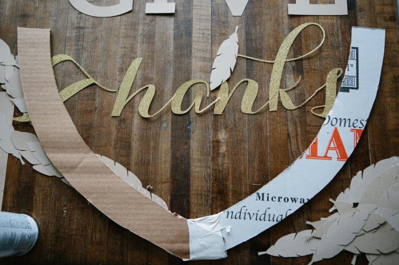 Picture Of diy thankgiving frame of paper and cardboard  2