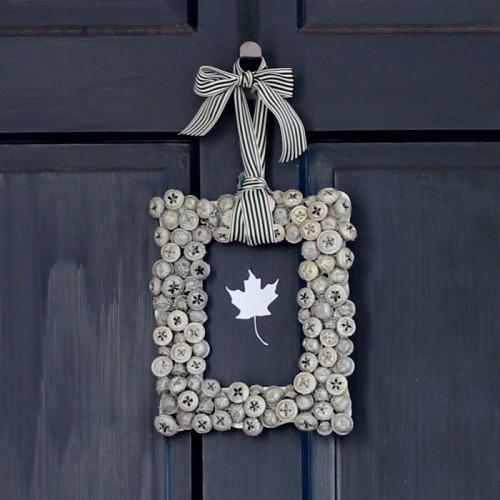 metallic acorn wreath (via mabeyshemadeit) & 9 DIY Thanksgiving Front Door Décor Ideas - Shelterness pezcame.com
