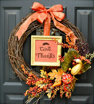 natural looking Tahnksgiving wreath