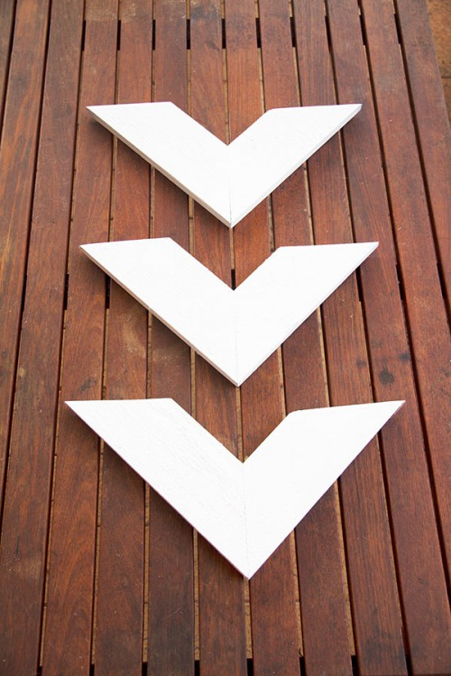 DIY Thrifty Chevron Wall Art Or Sign