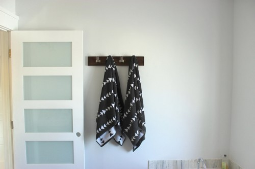 towel rail (via homecomingmn)