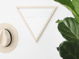 diy-triangle-mirror-with-a-wooden-frame-1