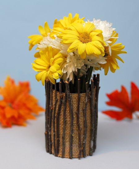 rustic twig vase (via pinklemonade)