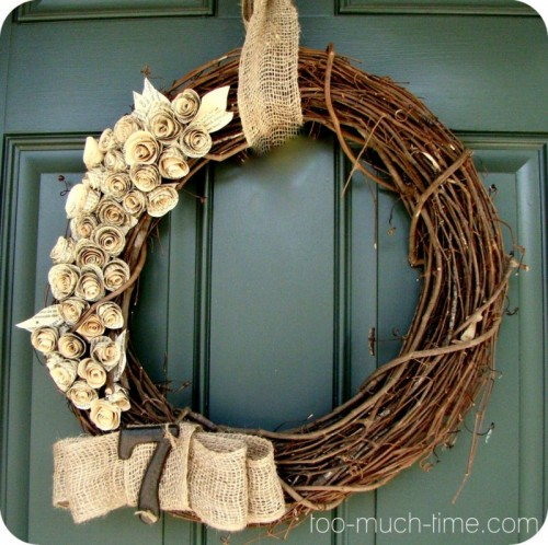 twig and burlap wreath (via too-much-time)