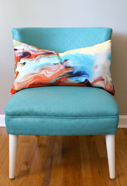 painting an upholstered chair (via fiftytwoweekendsofdiy)