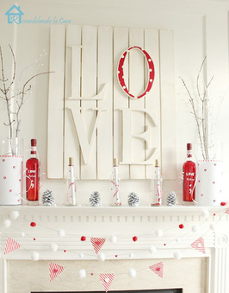 Valentine mantel sign (via hometalk)