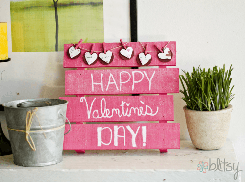 8 DIY Valentine Signs For Outdoor And Indoor Décor