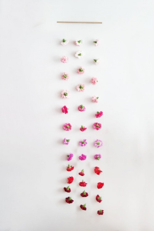 DIY Valentine's Day Fresh Flower Wall Hanging