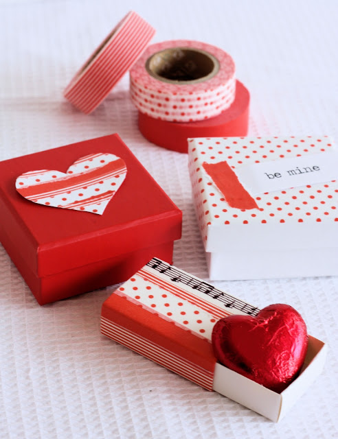 DIY Valentine boxes (via aspoonfulofsugardesigns)