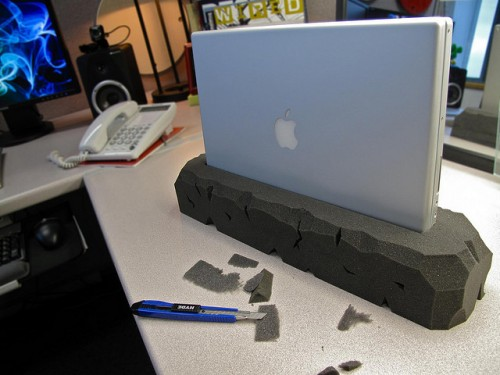 DIY Vertical Stone Laptop Stand