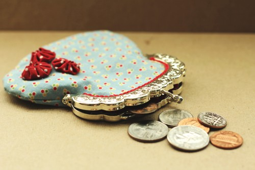 DIY Vintage-Inspired Coin Purse