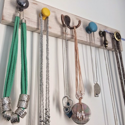 DIY Vintage Inspired Jewelry Wall Hanger
