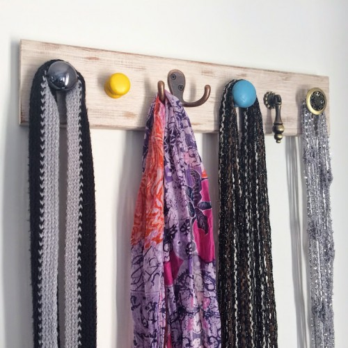 DIY Vintage Inspired Jewelry Wall Hanger