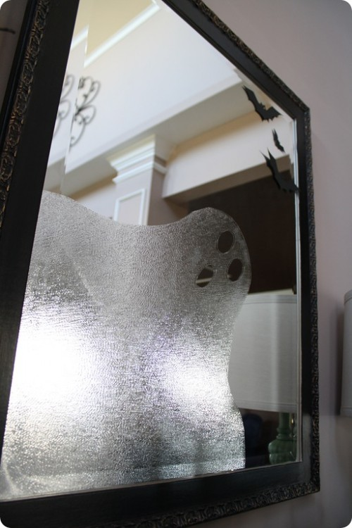 DIY Vinyl Ghost In A Mirror