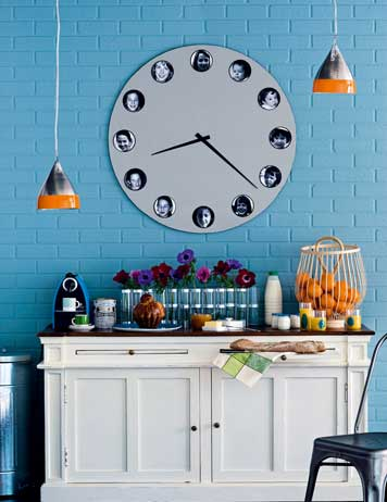 Diy Wall Clock Decorated With Pictures Of Your Family