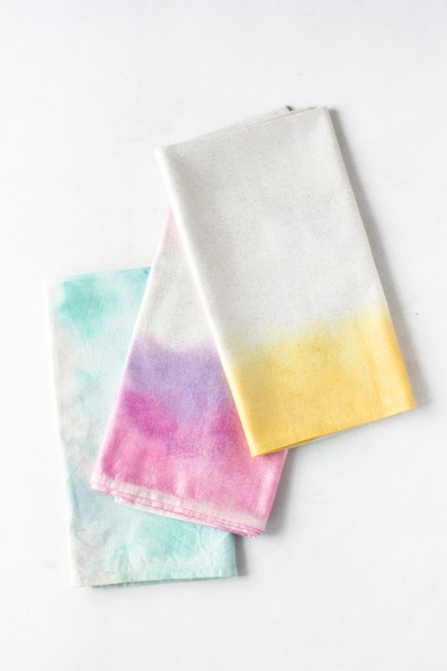 watercolor napkins (via papernstitchblog)