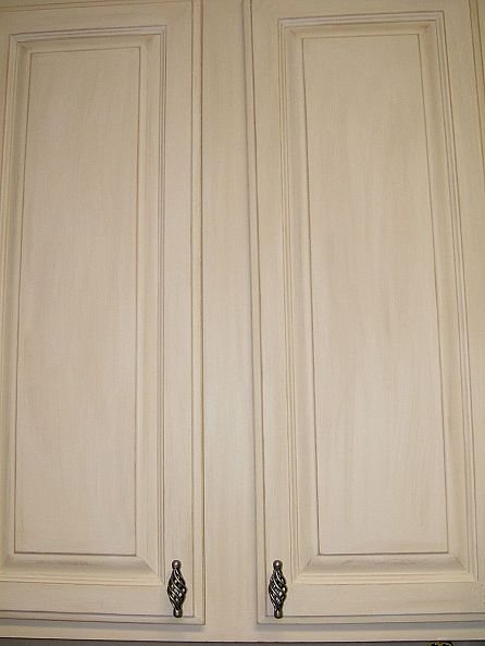 whie washed kitchen cabinets (via hometalk)
