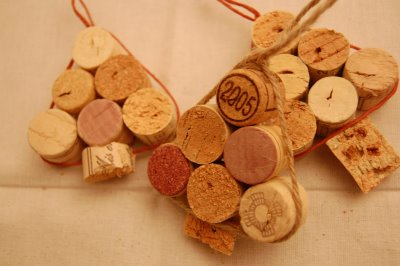 Diy Wine Cork Ornaments Shaped Like Christmas Trees