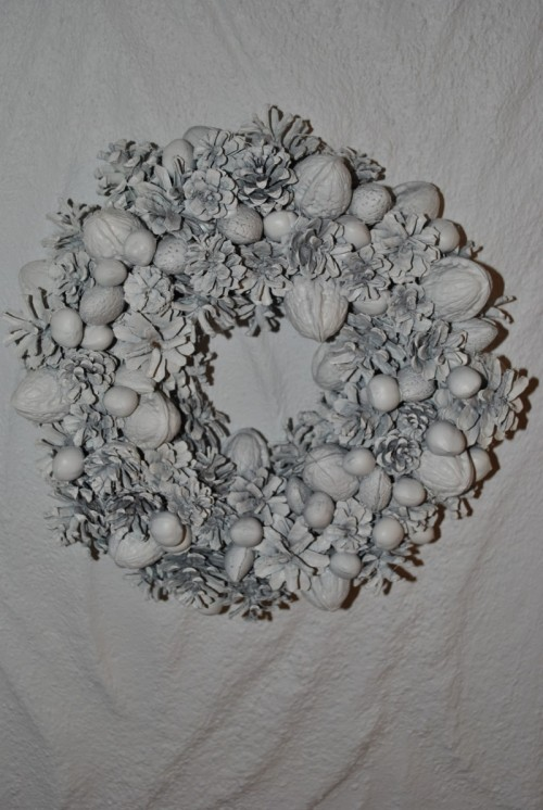 Pine Cone Wreath With Various Nuts (via)