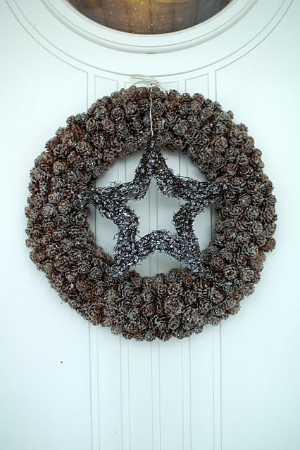 Pine Cones Christmas Wreath (via)