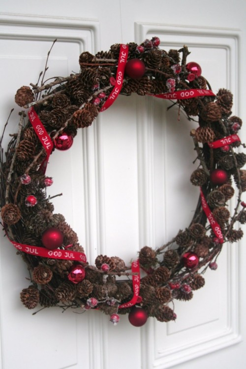 Nordic Christmas Wreath (via)