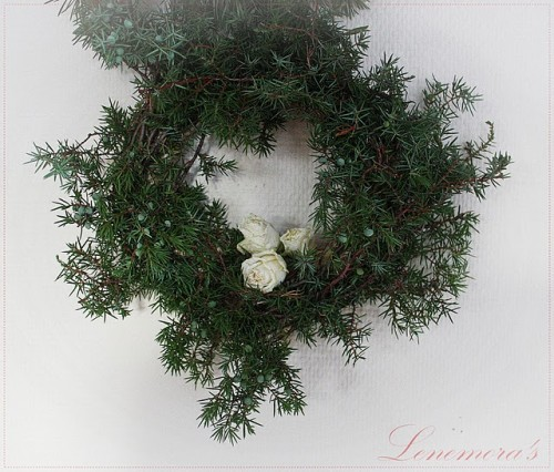 Juniper Winter Wreath (via)