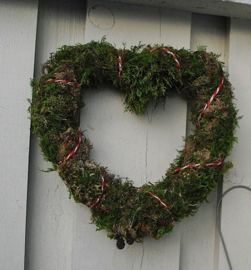 Heart Moss Wreath (via)