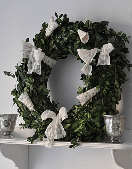 Romantic Winter Wreath (via)