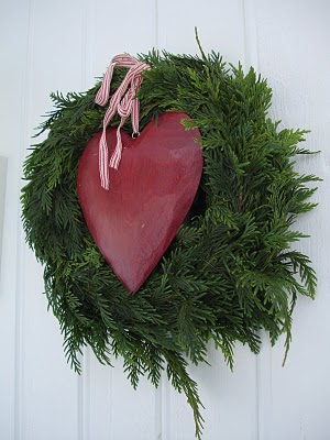 Juniper Heart Winter Wreath (via)