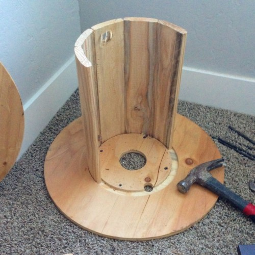 Diy Wire Spool Wooden Stool With Upholstery Shelterness