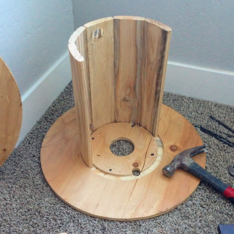 picture of diy wire spool wood stool 4