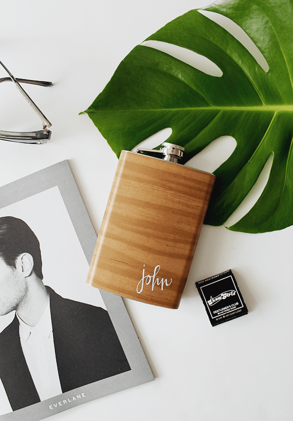 Picture Of diy wood grain flask for fathers day  1