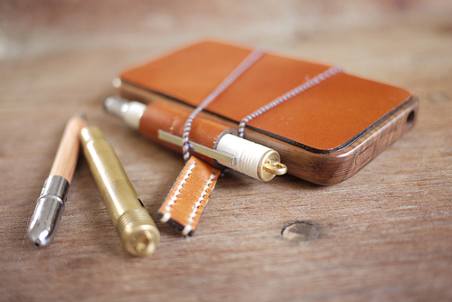 DIY Wood+Leather iPhone Case with Penholder (via scription)