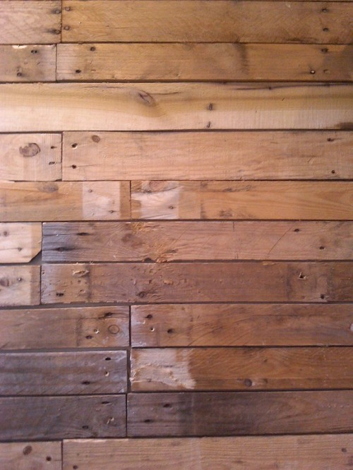 DIY Wood Pallet Wall Shelterness