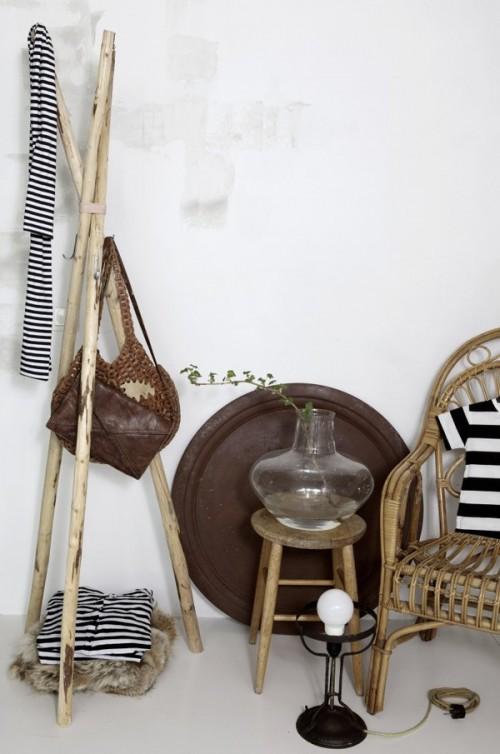 DIY Rustic Wooden Coat Hanger