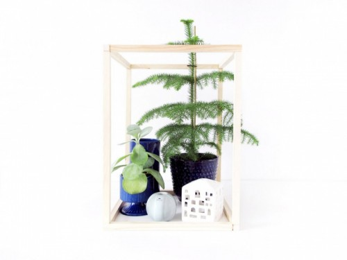 DIY Wooden Frame Cube For Displaying Your Things