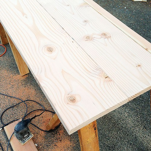 wooden countertop is even easier in case you have some wood working