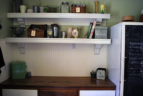 easy wood counter (via thehappyhousewife)