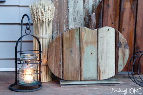 shabby chic wooden pumkins (via shelterness)