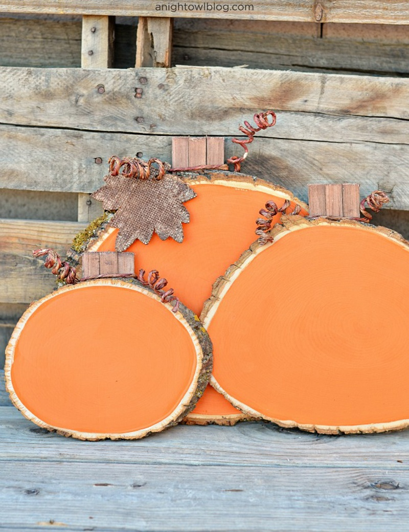 cool wood slice pumpkins
