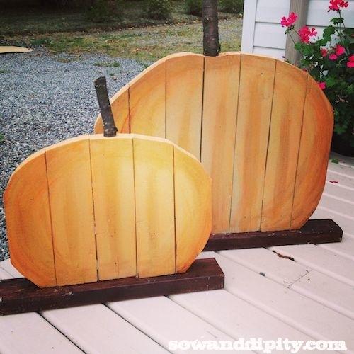 cute recycled wood pumpkins
