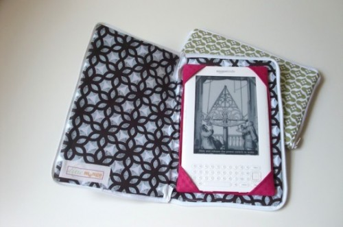 DIY Zipped Kindle Cover