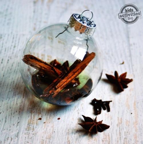spicy scented ornaments (via kidsactivitiesblog)