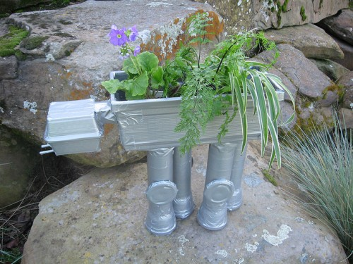duct tape planter (via shelterness)