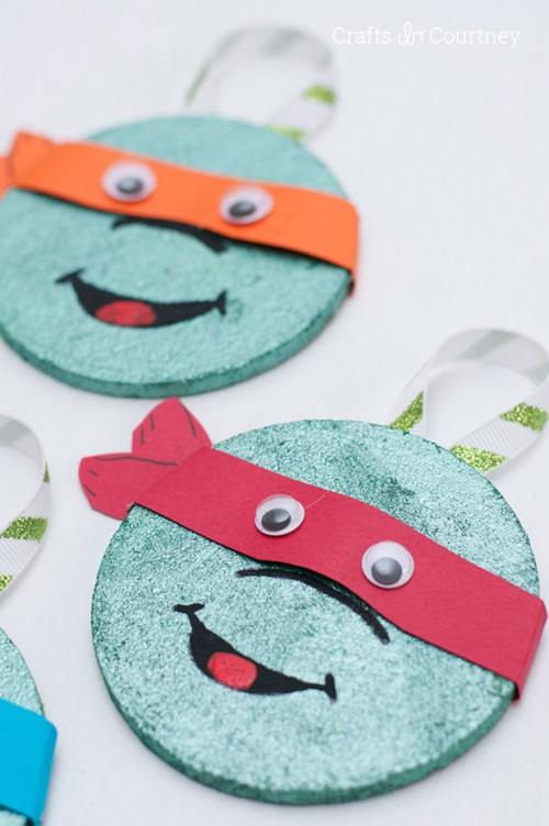 coaster ninja ornament (via craftsbycourtney)